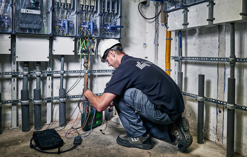 Industriële electrotechniek brochure fotografie voor Elektro Technisch Bureau Hogenes